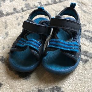 Cat and Jack size 6 toddler sandals